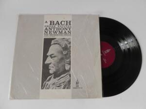 A BACH ORGAN RECITAL / ANTHONY NEWMAN