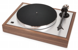 Pro-ject - Turntable THE CLASSIC with Ortofon 2M Silver cartridge- Walnut finish