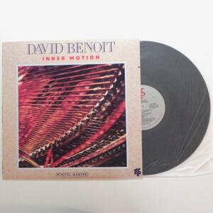 Inner Motion / David Benoit  -- LP 33 giri - Made in USA - GRP RECORDS - LP APERTO