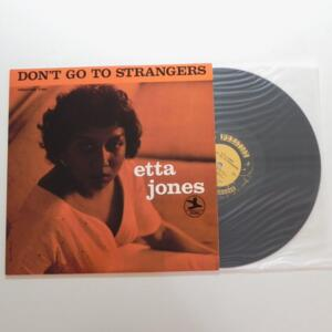 Don't Go To Strangers / Etta Jones  --  LP 33 giri - Made in USA  - FANTASY  - LP APERTO